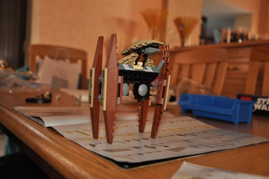 Lego - 7660 Naboo N-1 Starfighter et Vulture droid Dsc_0343