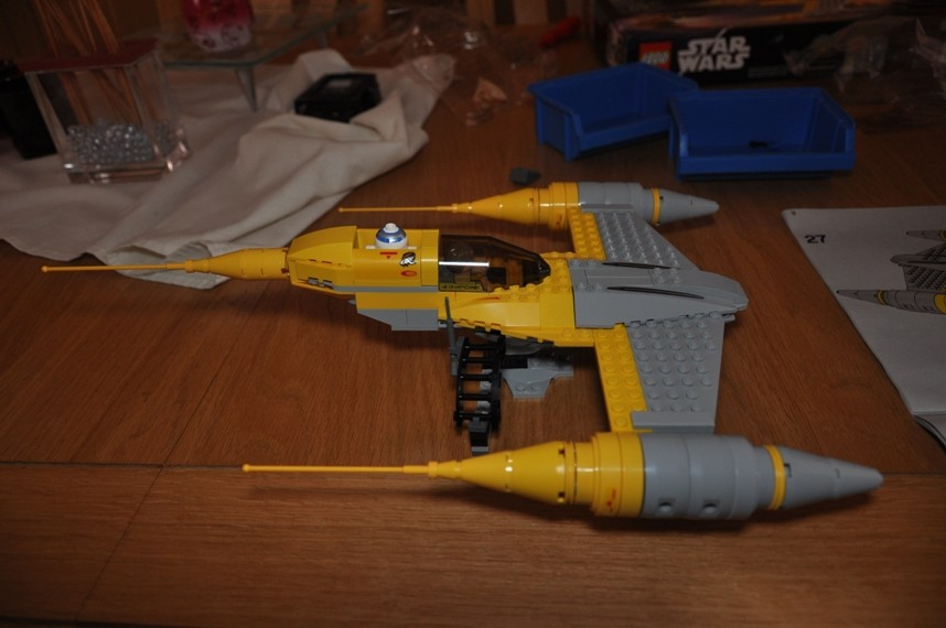 Lego - 7660 Naboo N-1 Starfighter et Vulture droid Dsc_0345