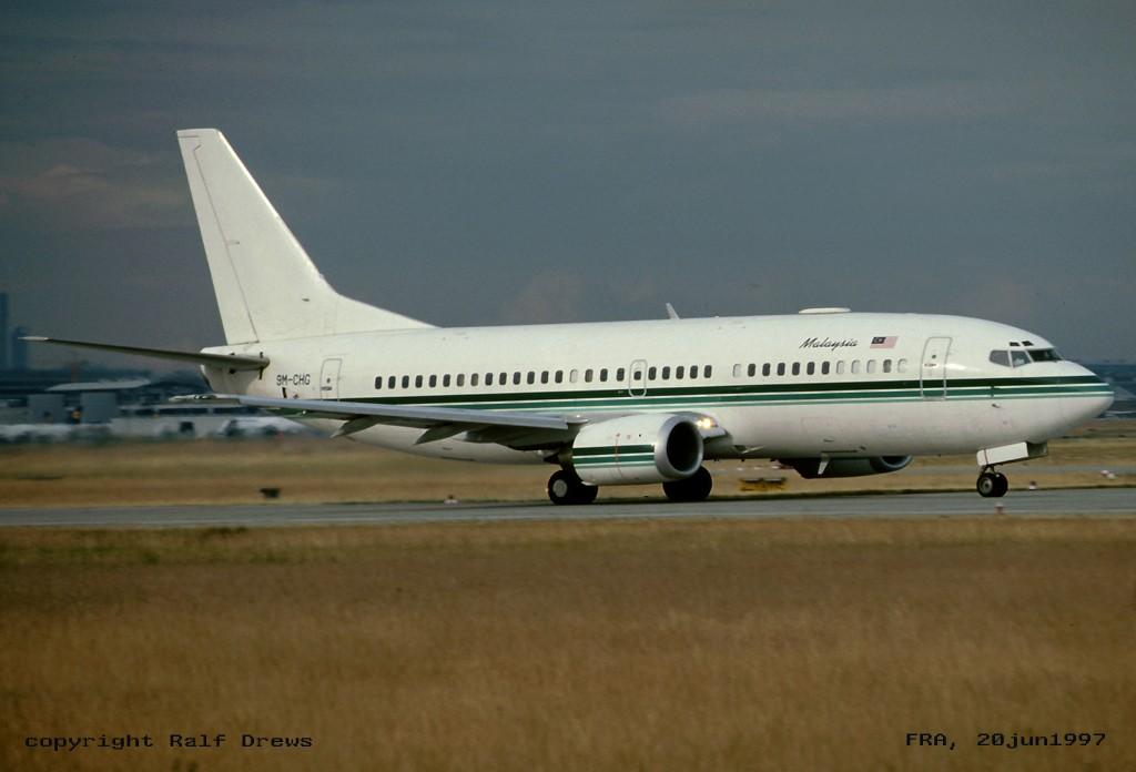 737 in FRA - Page 3 9m-chg10