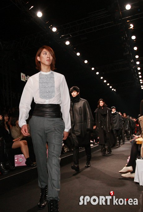 Lee Jeong Shin Seoul Fashion Week ! ♥ 1910
