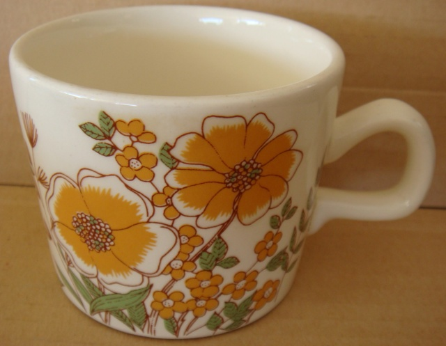 Elegance, Hampton cup, Bird of Paradise no namer, plus one other no namer Dsc04614