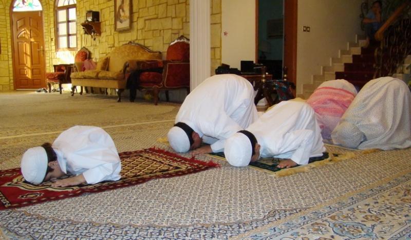 صوووورة تكفي>>>> تخلي اللي ما يصلي يصلي 211