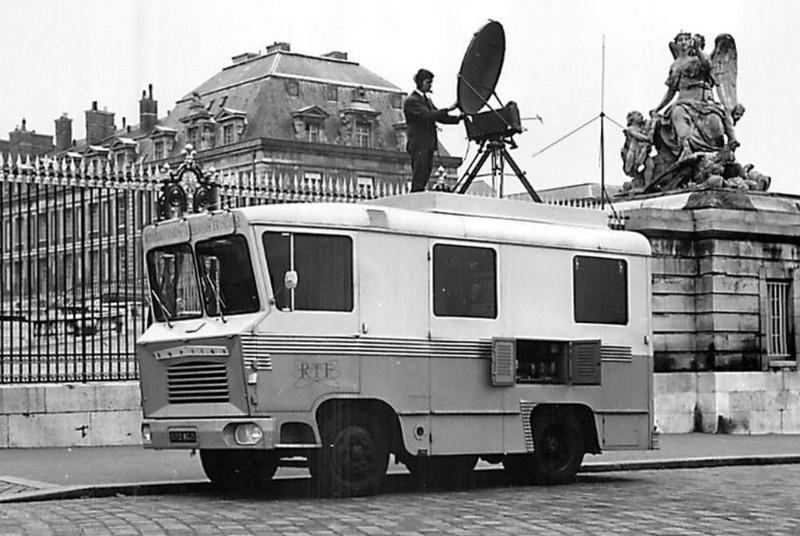 N°22- Berliet GAK 5R Car relais O.R.T.F 1961 / 1964   15343910
