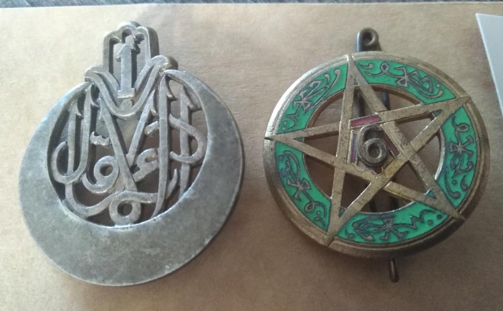 2 insignes à datés Img_1235
