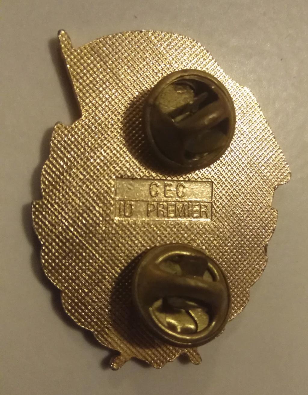 Insigne de garde soviétique ? Img_1633