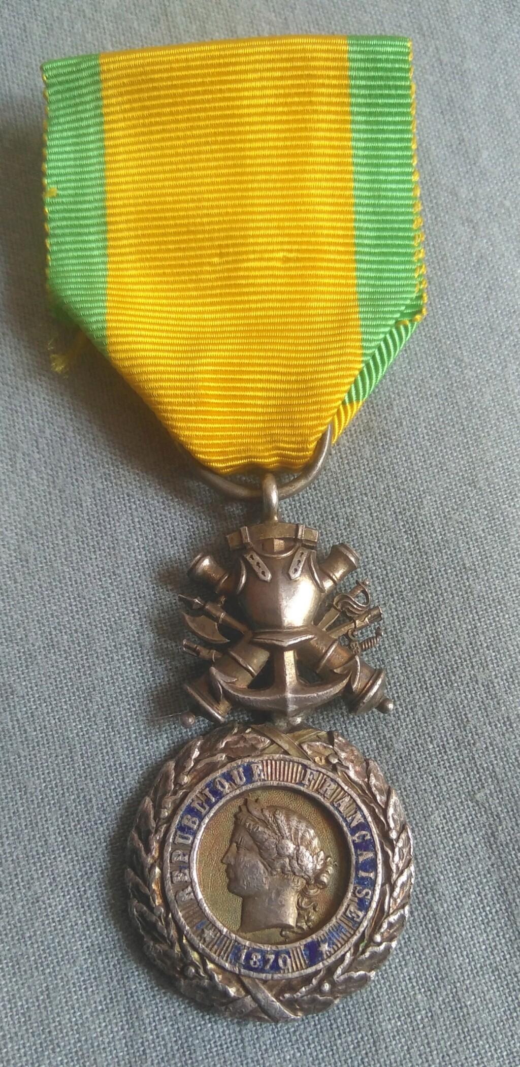 Médaille militaire Img_1987