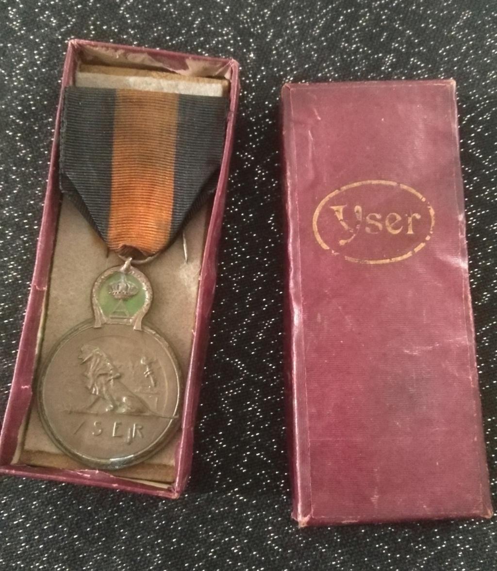 Médaille de l'Yser avec sa boîte Img_2357
