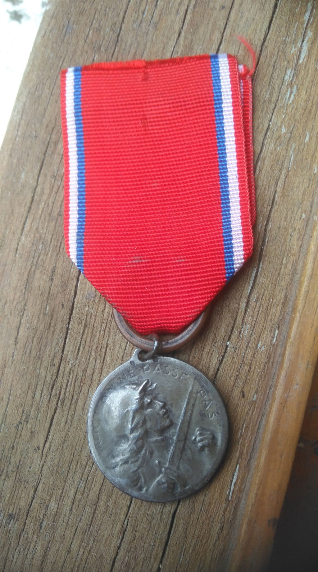 Médaille Verdun en argent Img_3011