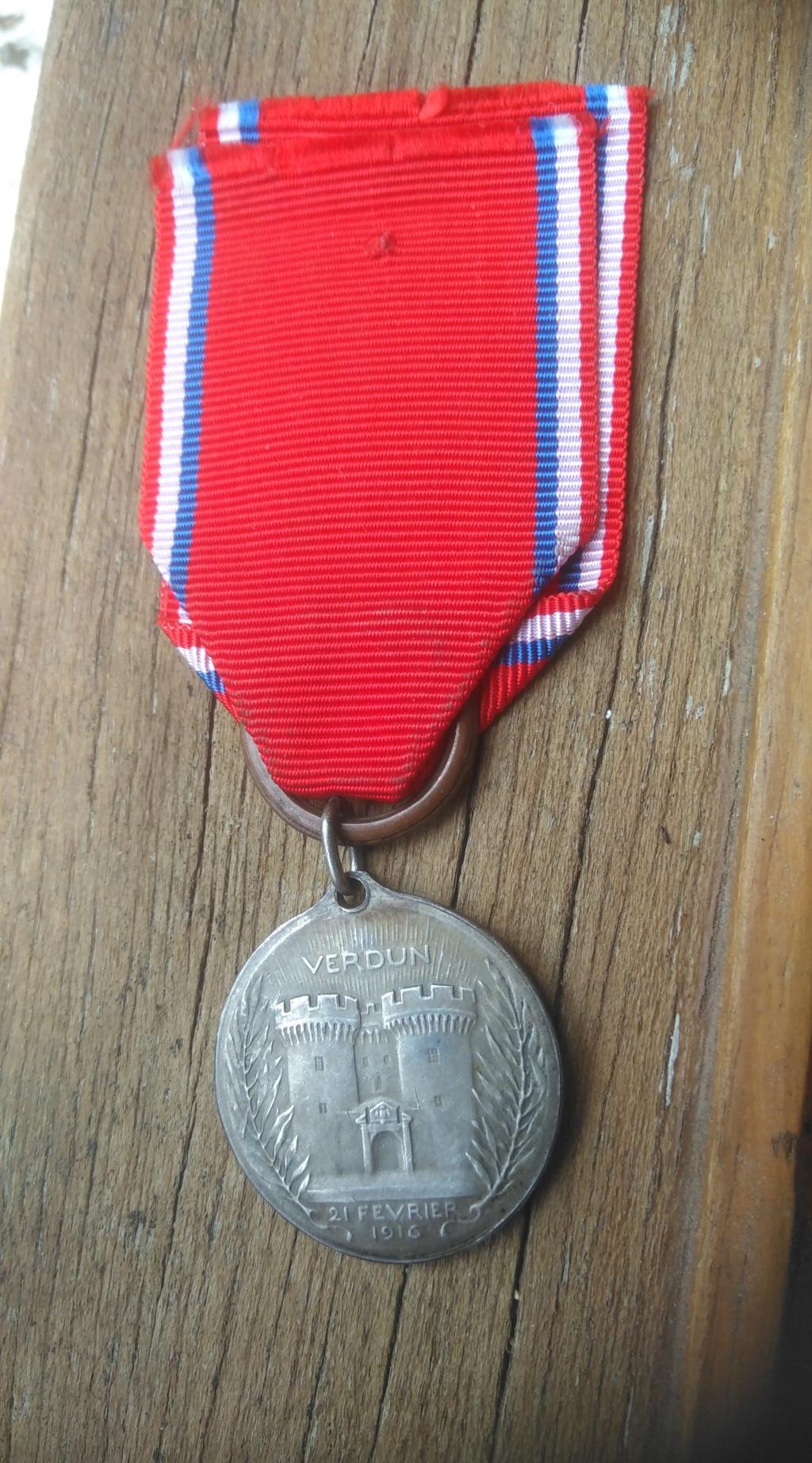Médaille Verdun en argent Img_3012