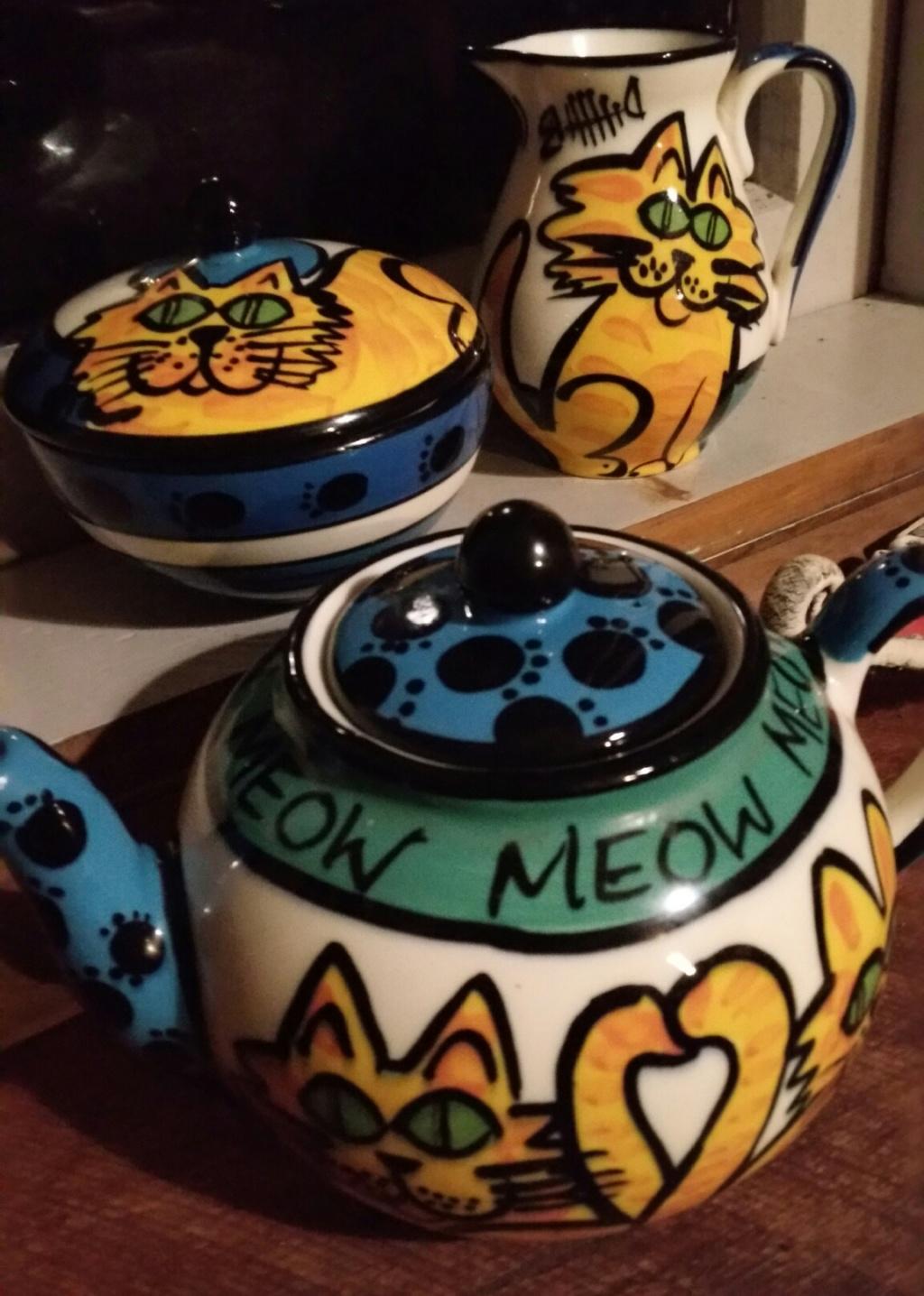 Kevin kilsby cats teapot. Sugar . Jug 20180711