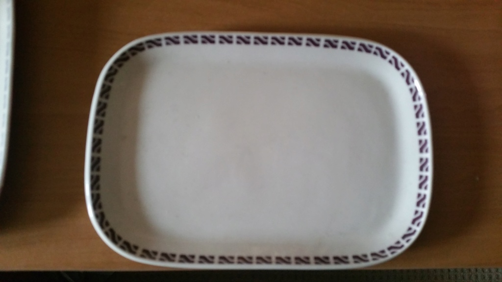 What number is this vitrified 'Sandwich Tray' ?  It;s an 8616. 20181114