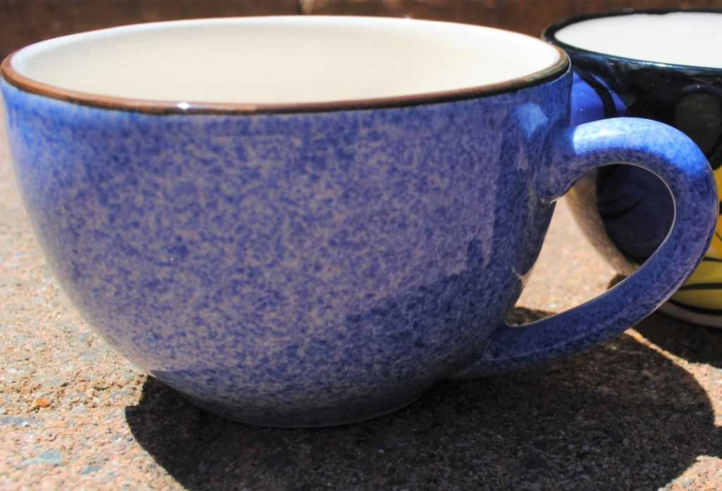 Studio ceramics Flat white shape cups - blue speckle pattern Dsc_8711
