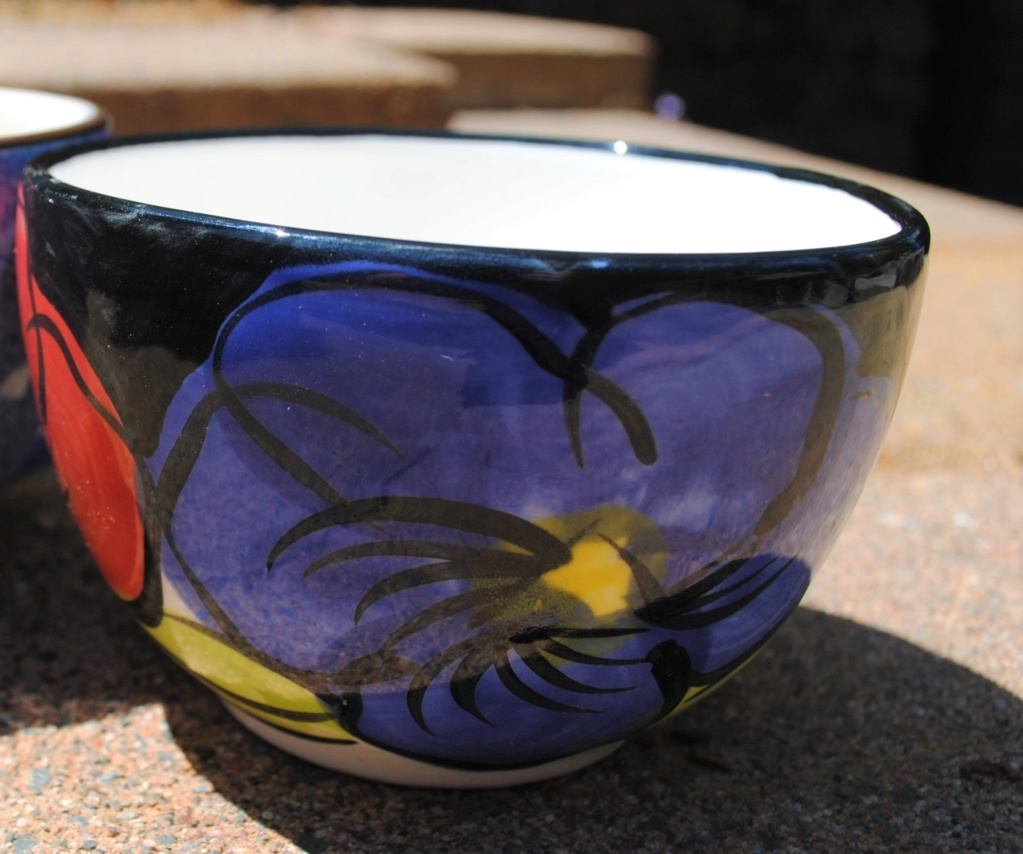Studio ceramics Flat white shape cups - Tri colour flower Flower12