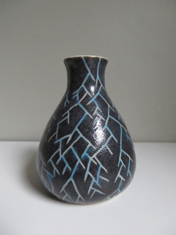 Small bulbous vase with incised pattern and AA or strikethrough M/W? mark Img_8819