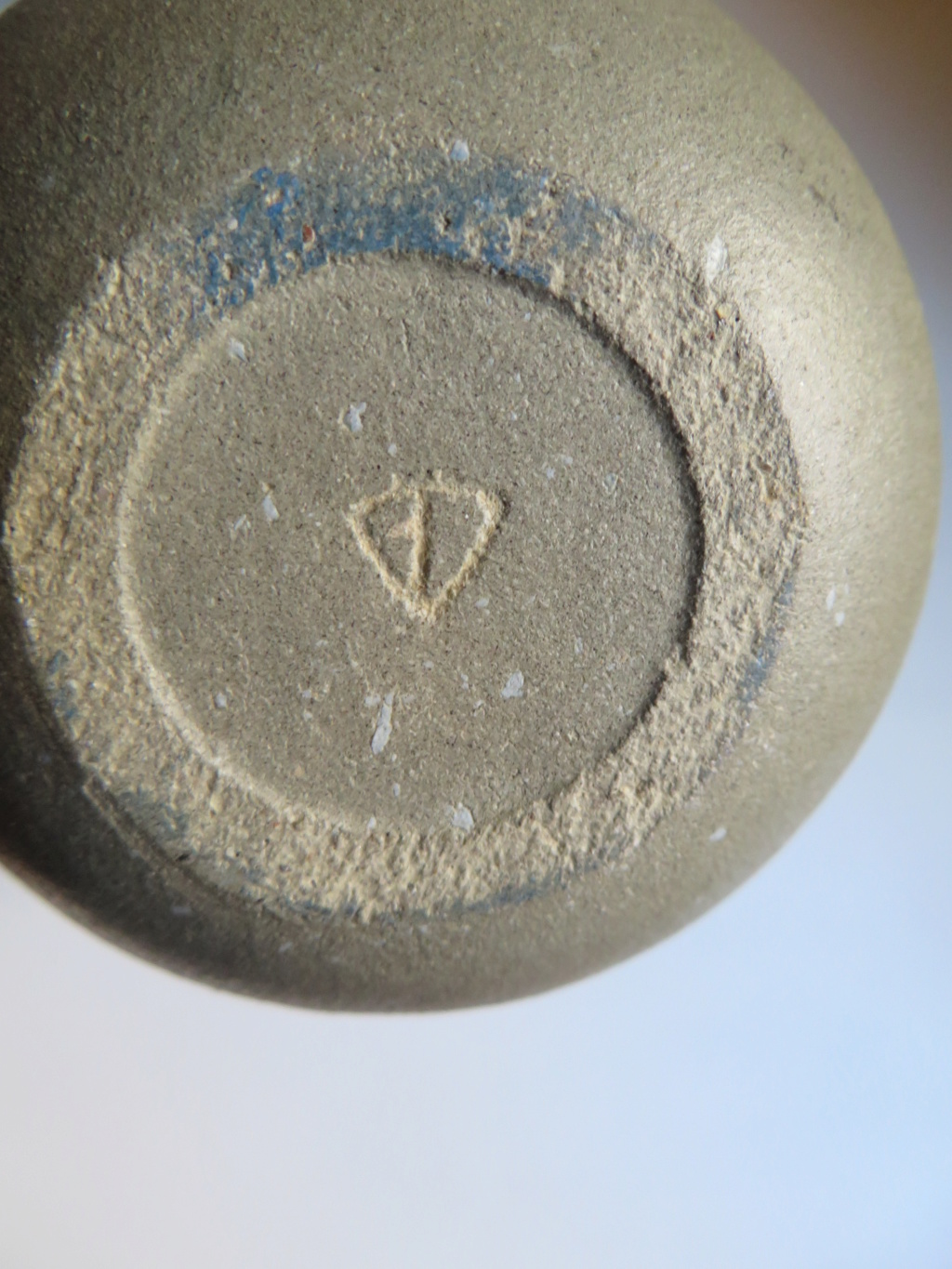 Bullet shaped vase with incised triangle mark - Tina Vlassopulos Img_9715