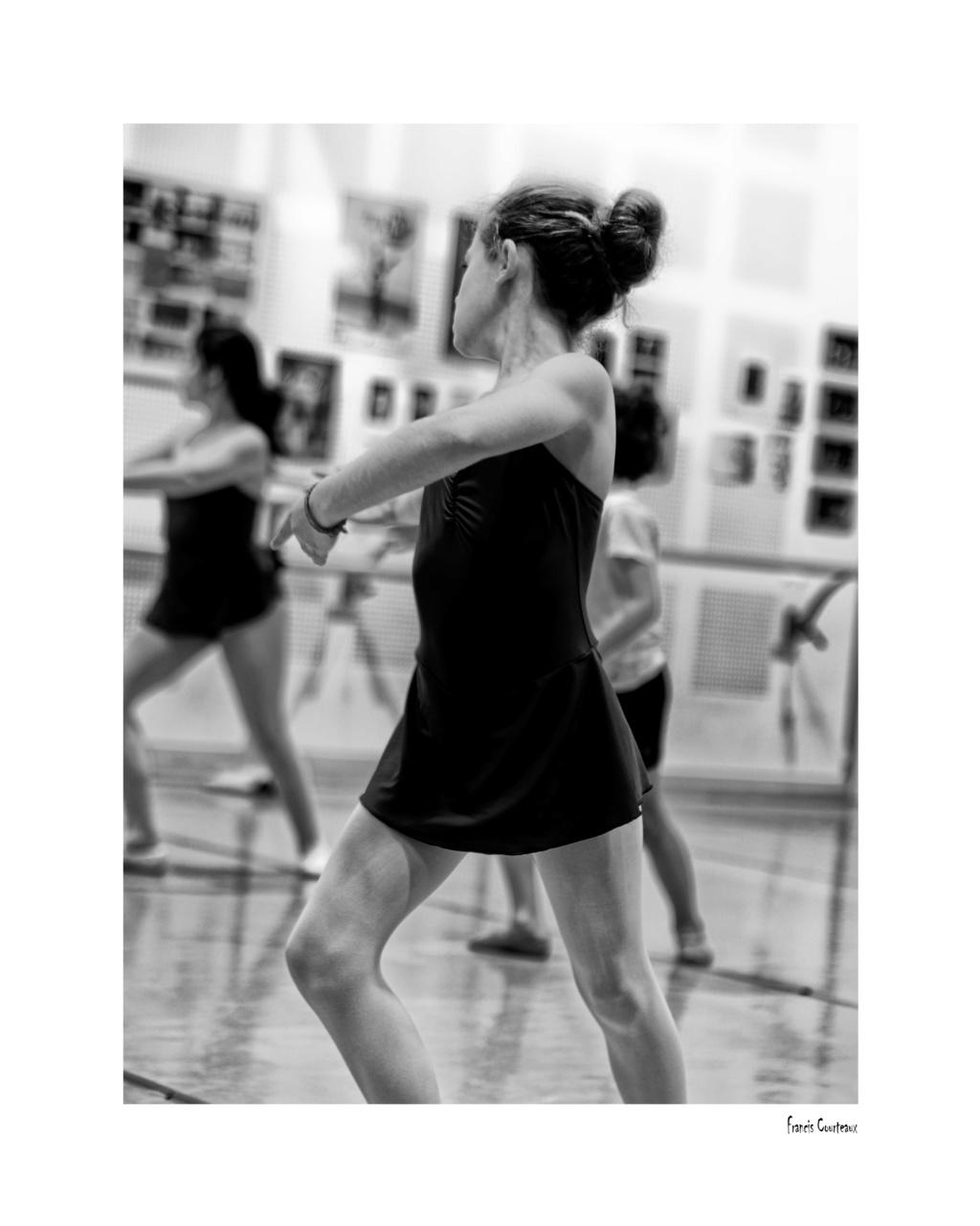 Préparation Danse Classique - Page 2 4v6-4010