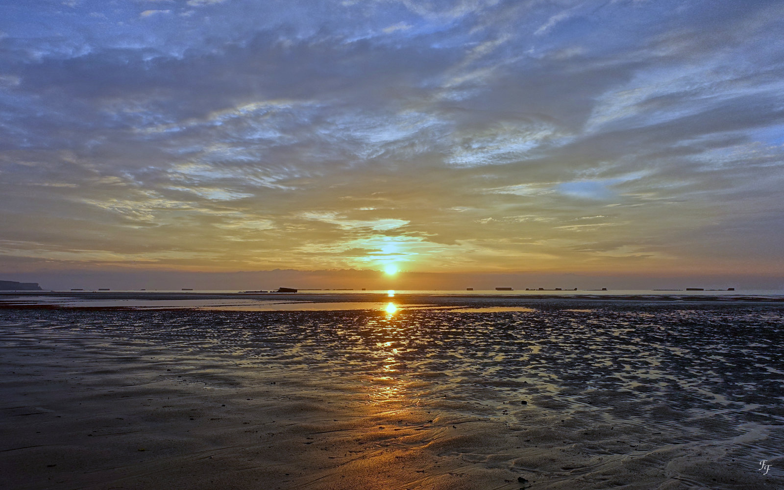 Coucher de Soleil sur la plage d'Arromanches A2018_14
