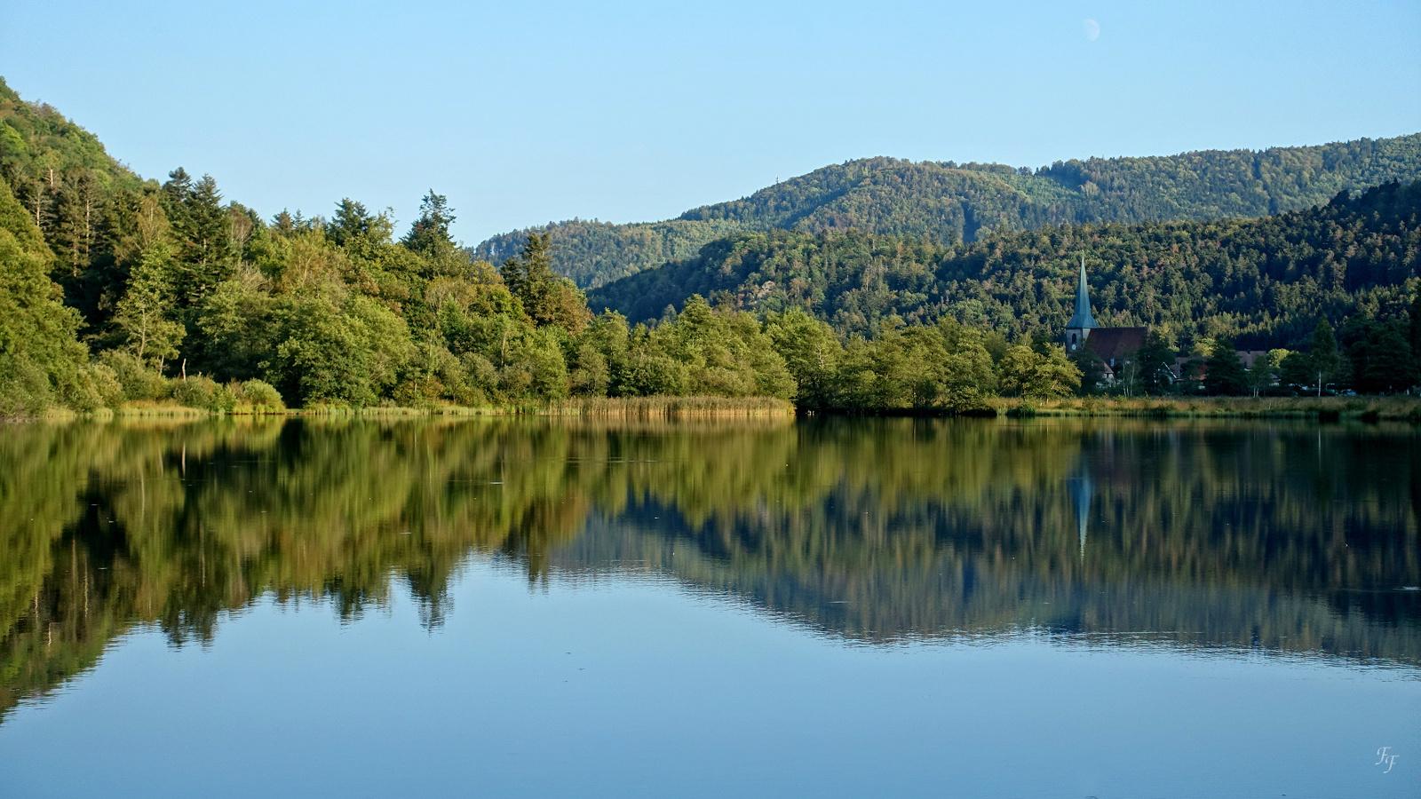 Coucher du soleil sur le lac ... A2018_27