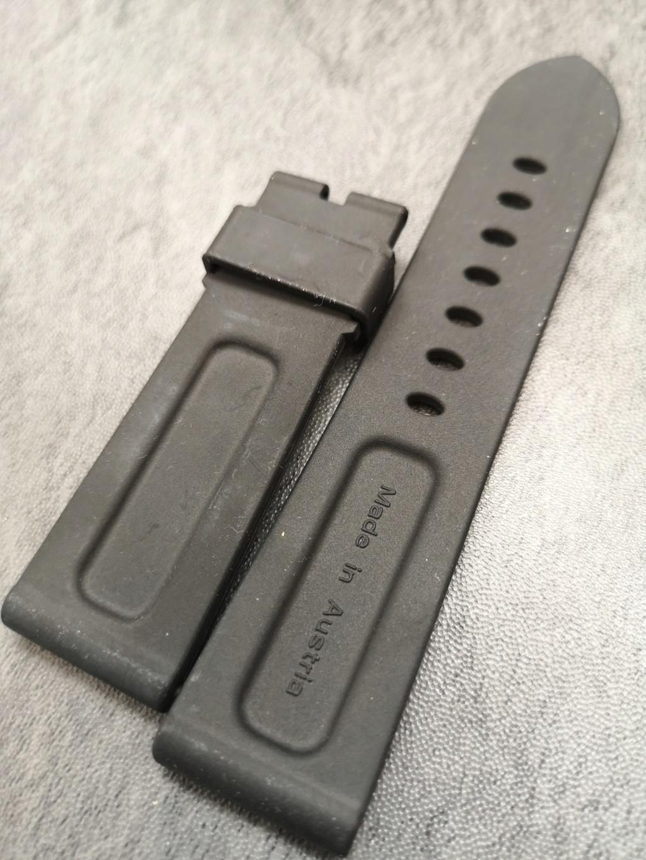 panerai - [Vends] Bracelet Panerai rubber noir OEM 24X22mm Img_2134