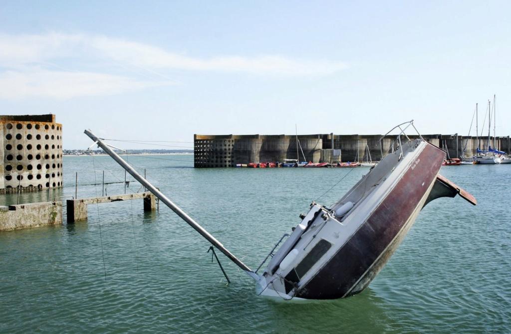 """The """" Disaster Yacht""""  -  new model by Hein Kistenich Jpg_im10"""