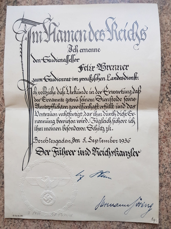 Document avec signature de Hitler et  Gőring 20190610