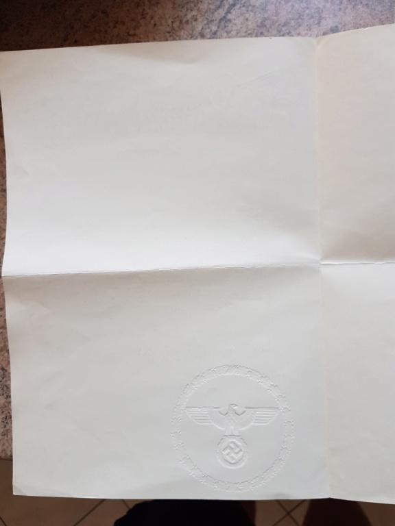 Document avec signature de Hitler et  Gőring 20190612