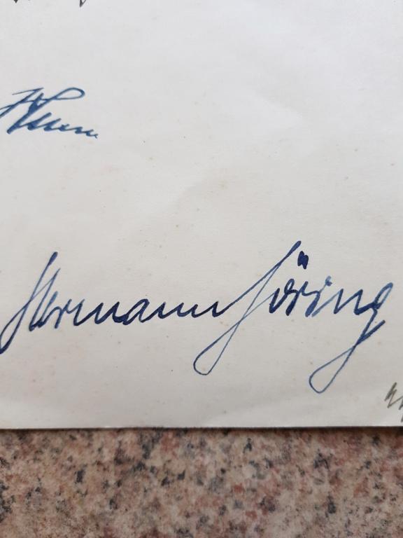 Document avec signature de Hitler et  Gőring 20190615
