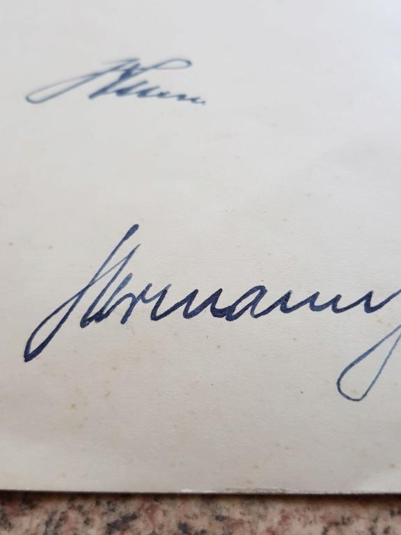 Document avec signature de Hitler et  Gőring 20190619