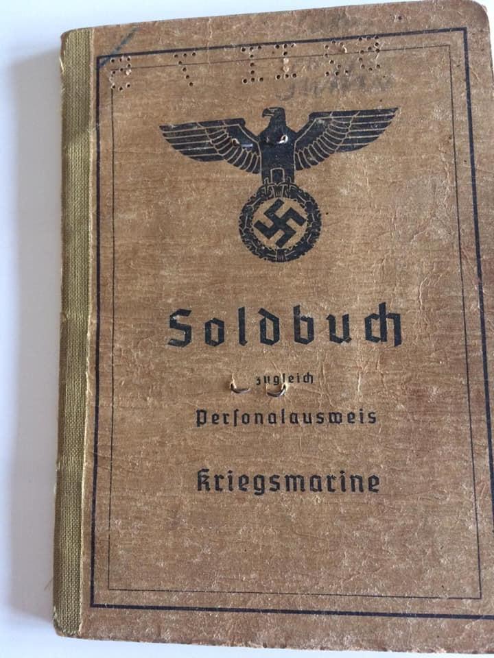Soldbuch  allemand 39- 45 Kriegsmarine d'un malgré nous à Traduire A11