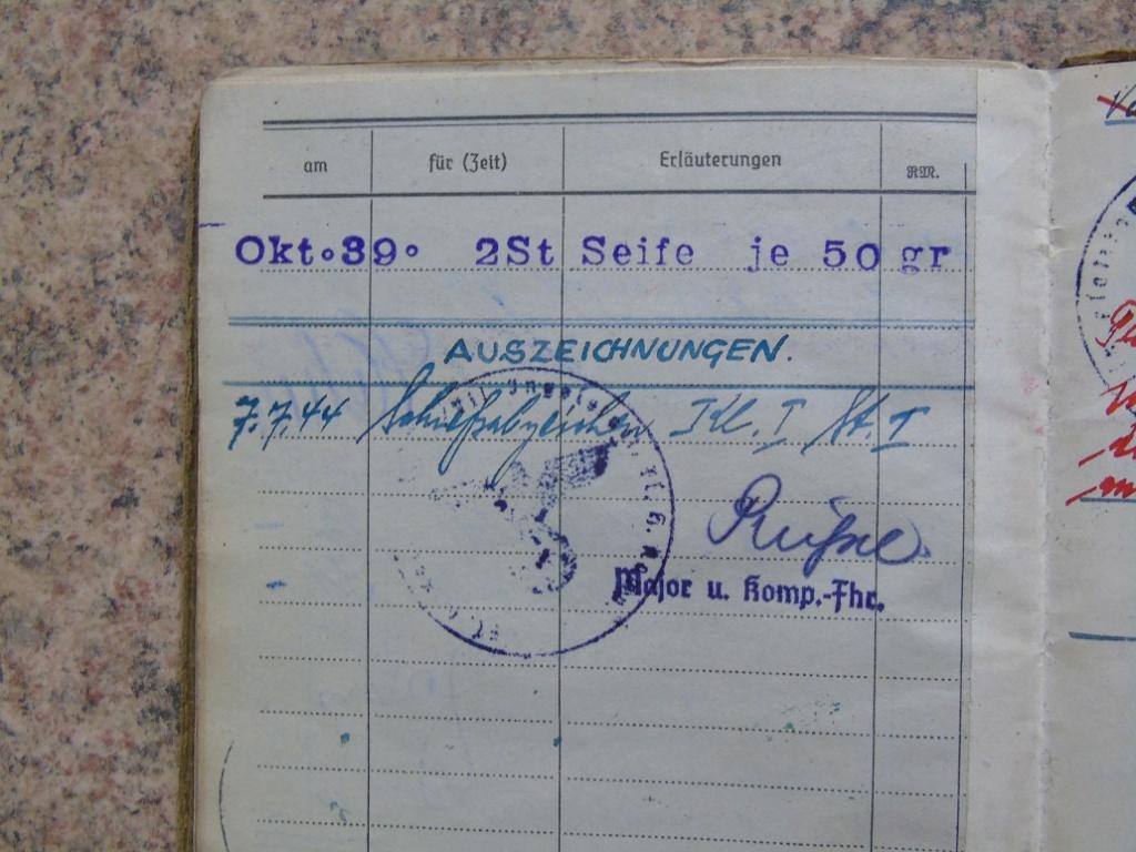 Soldbuch allemand 39-45 d'unmalgré nous à Traduire merci Dsc03149