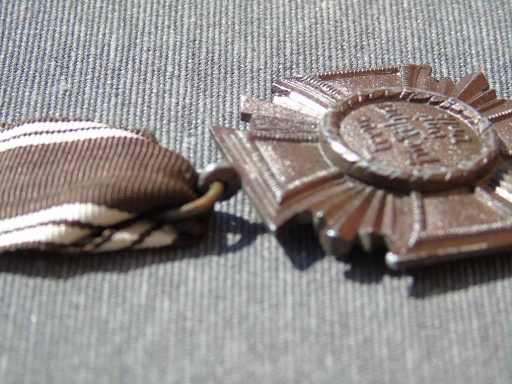 Médaille nsdap dienstauszeichnung En Bronze à identifier Dsc03313