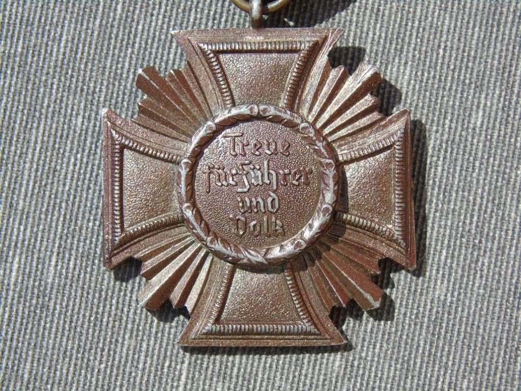 Médaille nsdap dienstauszeichnung En Bronze à identifier Dsc03315