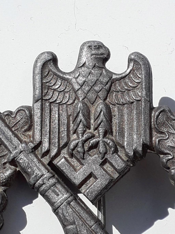 Fabricant de 2 badge infanterie  allemand 39 45 a identifier  Img-2027