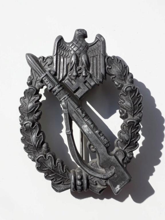Fabricant de 2 badge infanterie  allemand 39 45 a identifier  Img-2032