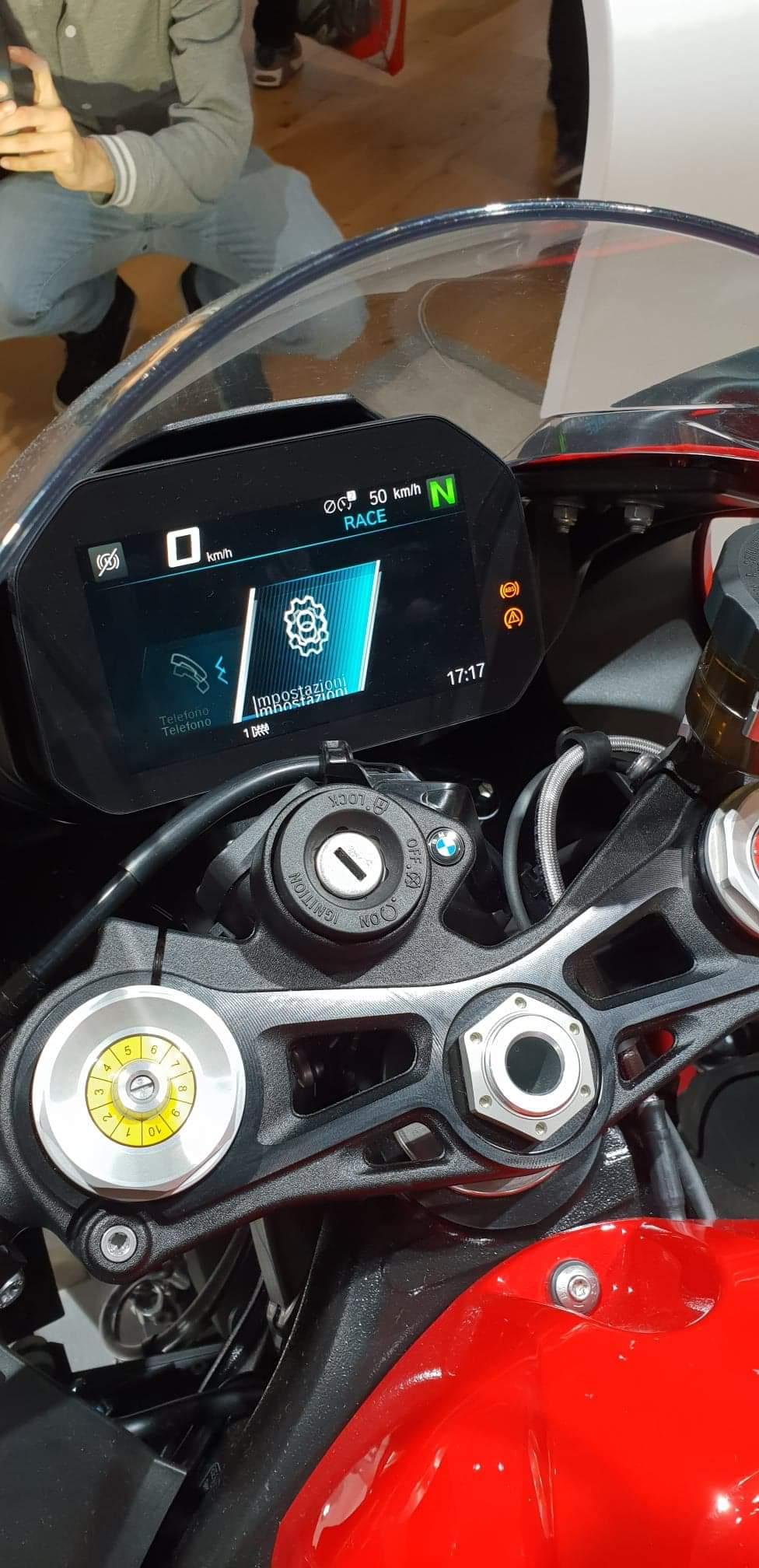 Motopiste.net était au Salon de Milan(EICMA) Le Compte Rendu ! Receiv48