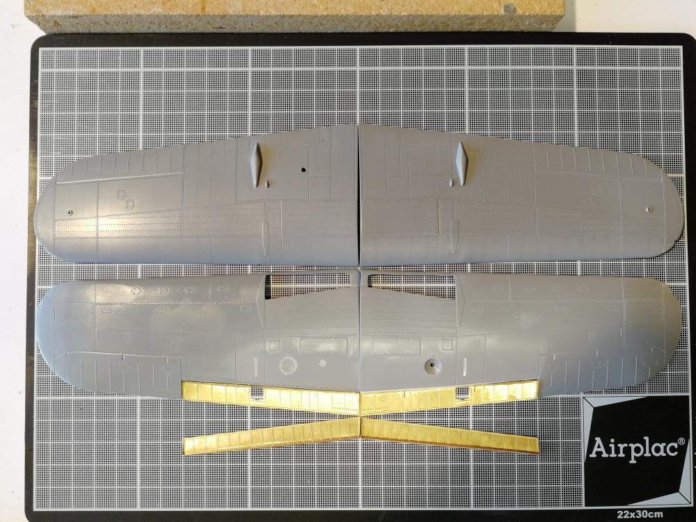 [Année AZUR] Brewster F2A-1 Buffalo Spécial Hobby 1:32 - Page 16 _zcgdf43