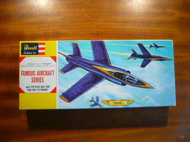 """Mc Donnell Douglas F-4J Phantom II """"Blue Angels"""" - kit FUJIMI 1/72 P1150432"""