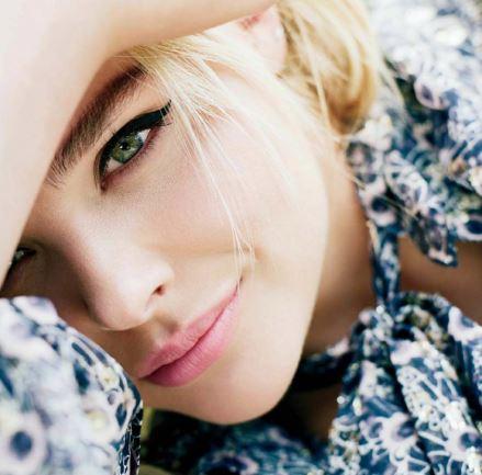Amber Pennington - All I want is love Captur12