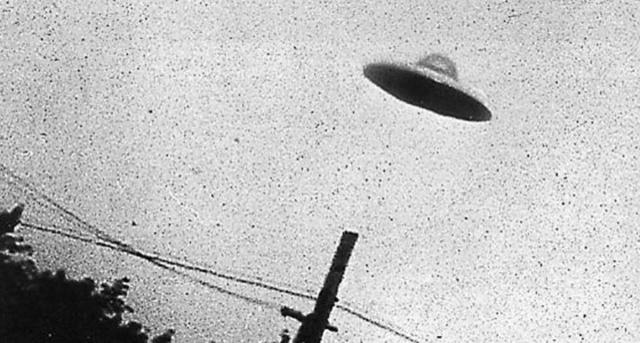 UN UFO SUL BALCONE Ufo-5610