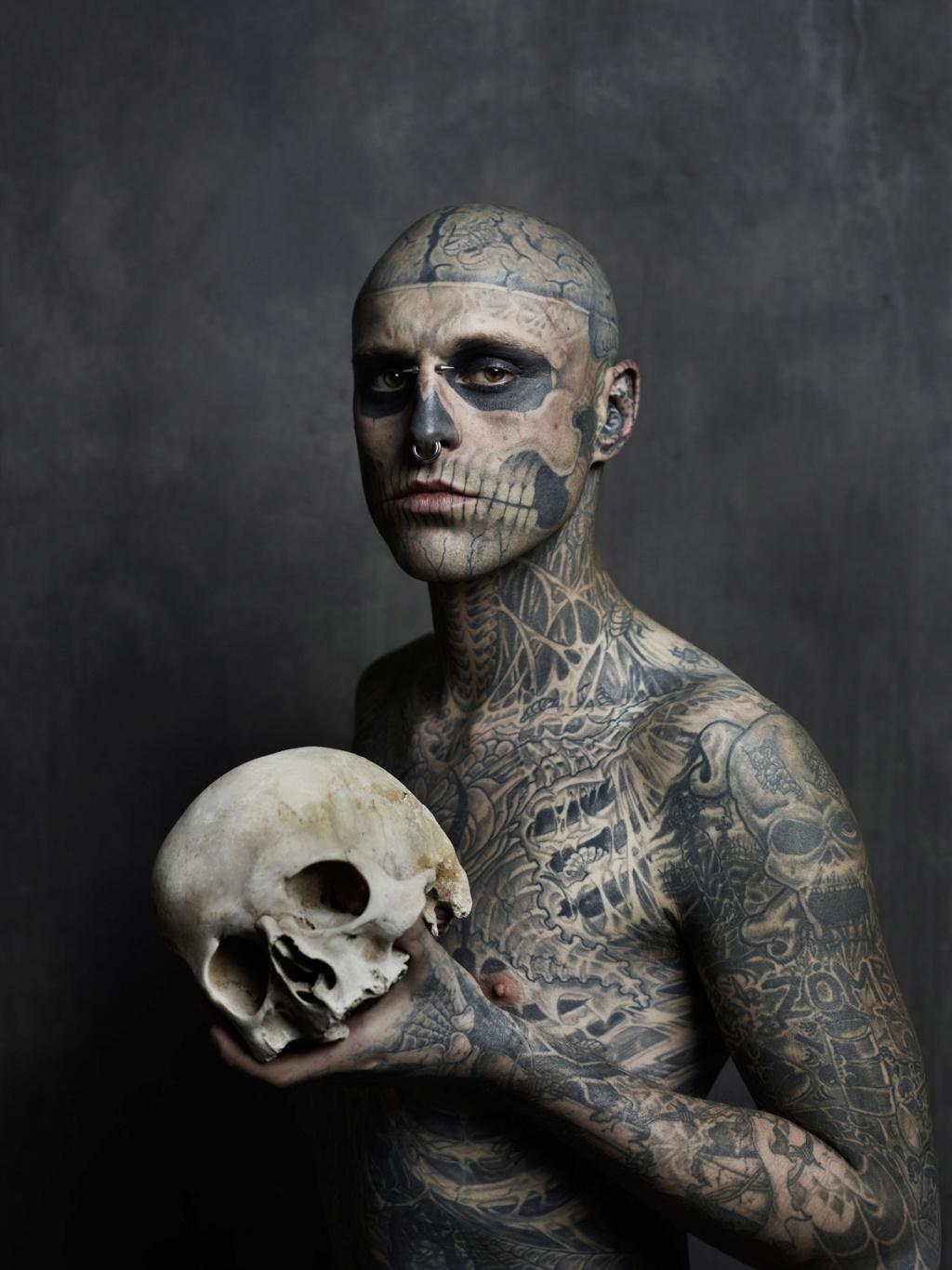 Il tatuaggio che uccide Zombie10