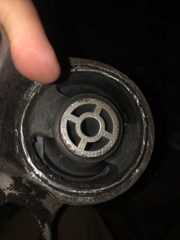 "! Avis support moteur mal ""pressé "" 35506610"