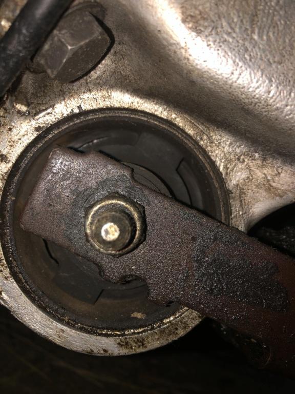 "! Avis support moteur mal ""pressé "" 39080910"