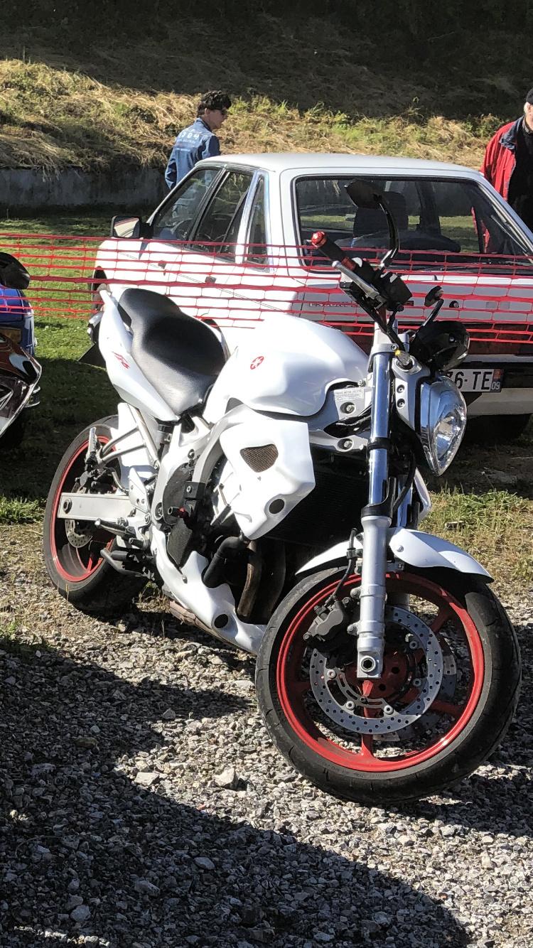 Vous rouler aussi à moto ... Montrez nous vos belles  - Page 3 B00ab810