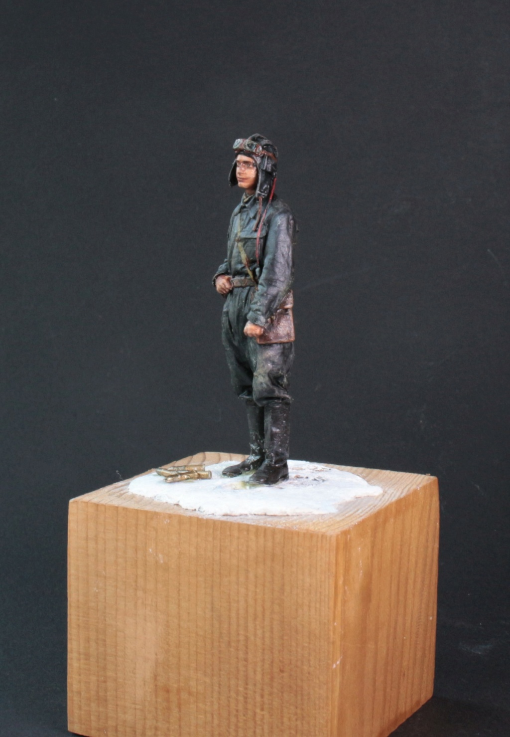 Tankiste soviétique (hiver 1944-45)   Figurine ReedOak au 1/24e Ts_413