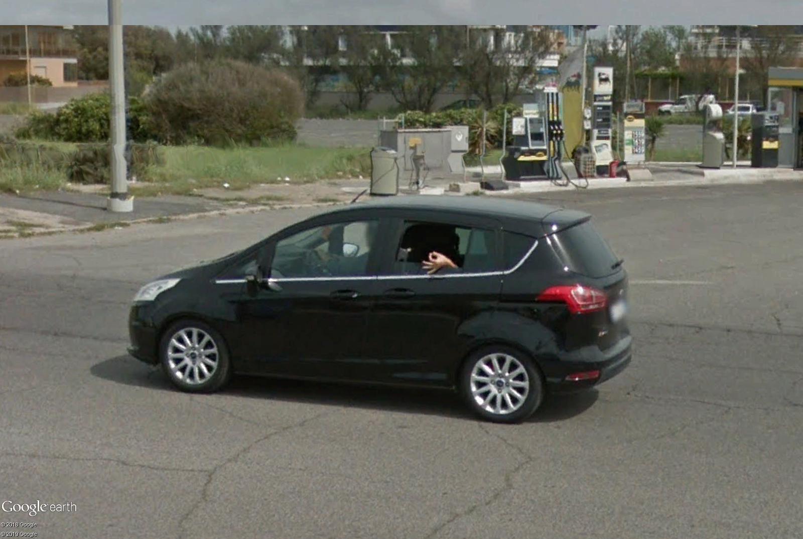 STREET VIEW : un coucou à la Google car  - Page 49 Coucou10