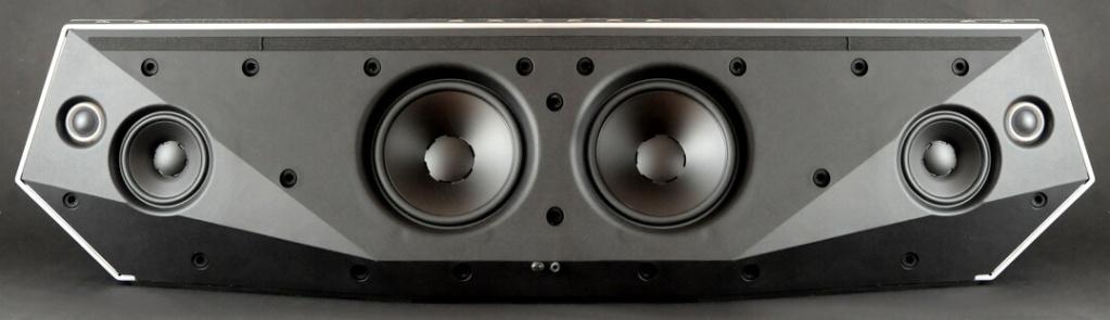 Dynaudio Xeo 4 ,diffusori in angolo ,cambiarli con Music 7 centrale Dynaud10