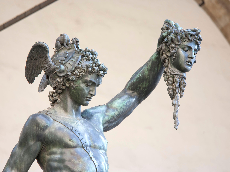 Sabres: la Tête de Méduse Perseu10