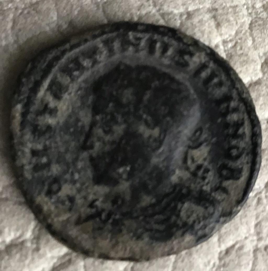 AE3 de Constantino II. CAESARVM NOSTRORVM - VOT / (V?, X?). Tesalónica. 00fe4810