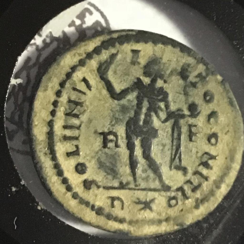 Nummus de Licinio I. SOLI INV-I-CTO COMITI. Sol estante a izq. Roma. 10b8a010