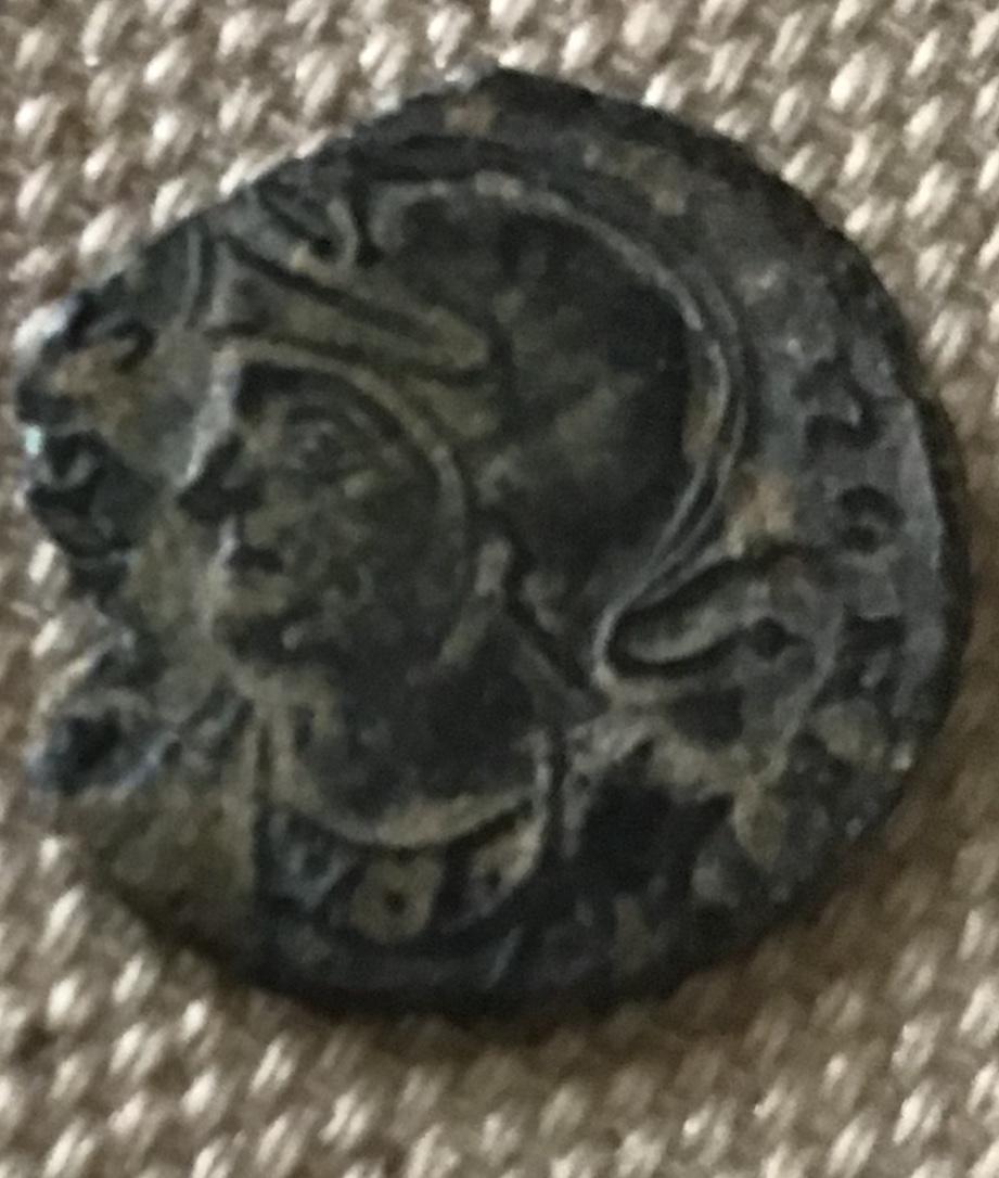 AE3 conmemorativa de Roma. La loba capitolina estante a izq. Arles. 7b44b210
